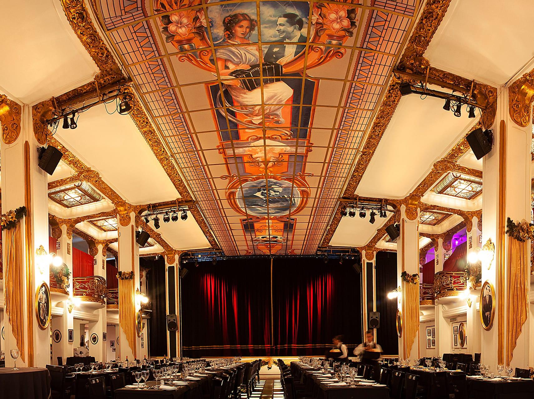 Carlos Gardel Tango show Buenos Aires